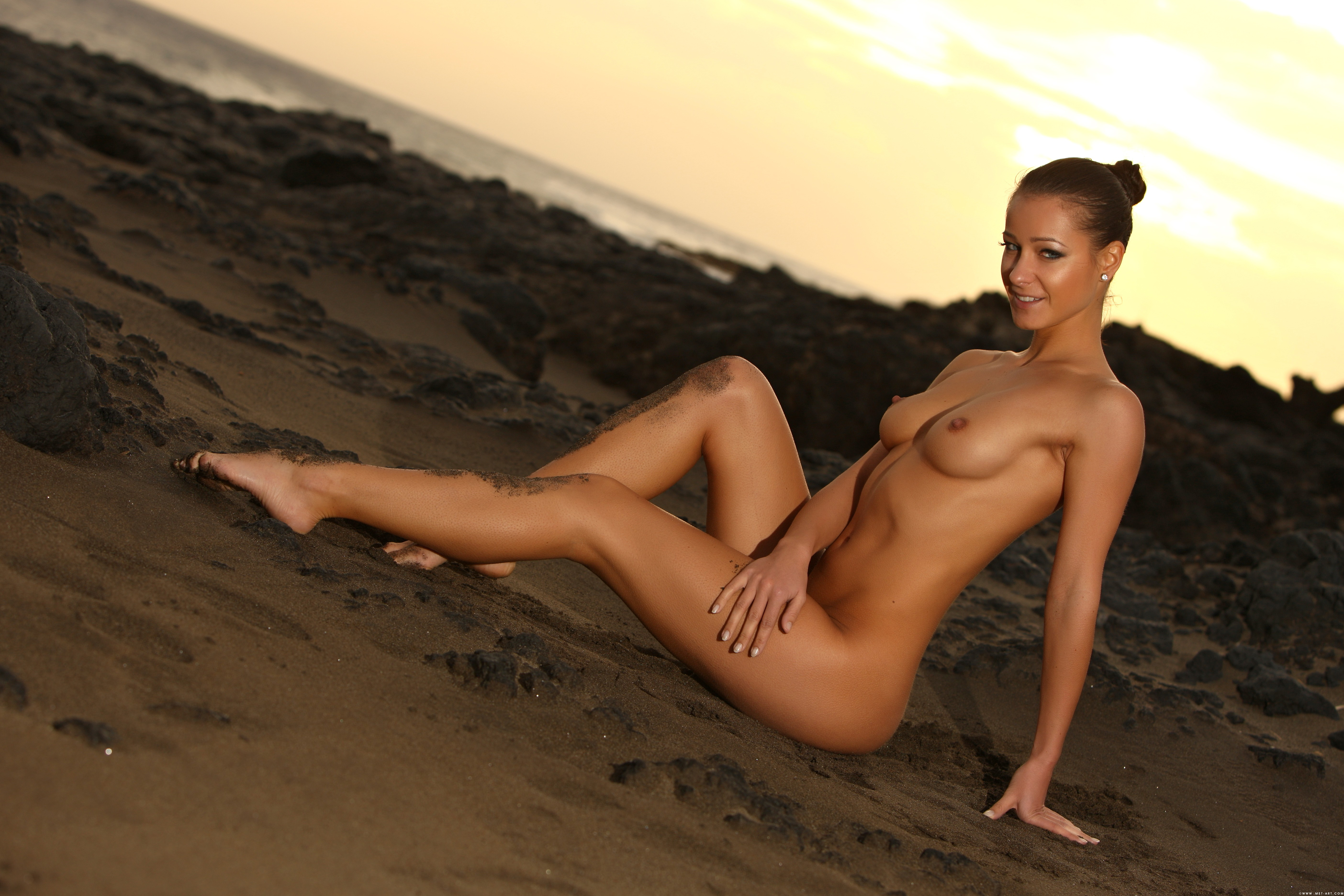 Абсолютно голые девушки 6 фотография