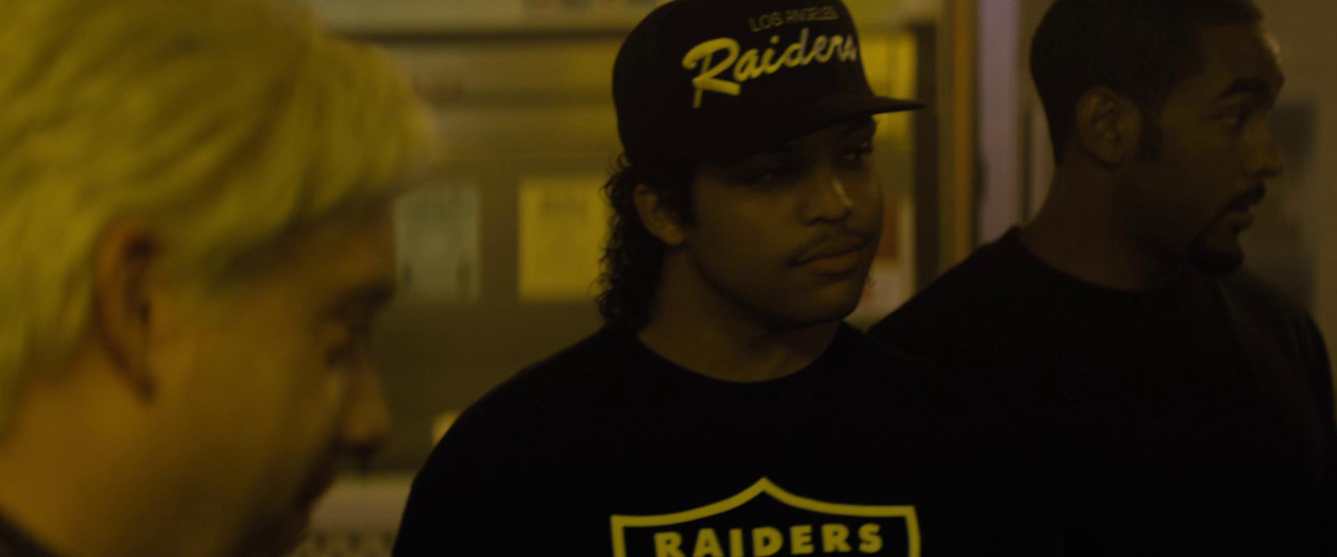 Straight Outta Compton 2015 (1080p Bluray) DUAL TR - EN - Full HD Film indir