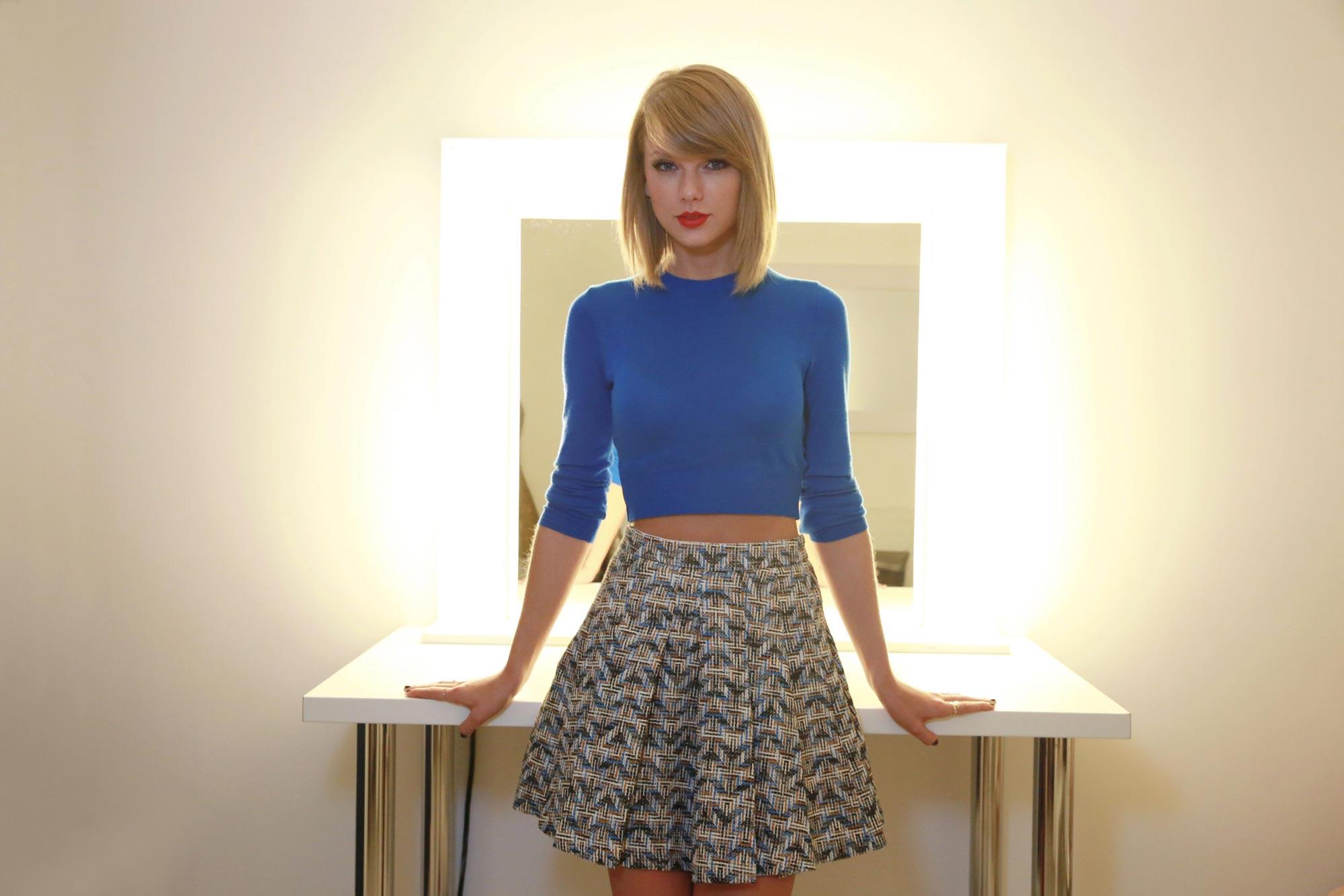 Taylor Swift oc 02