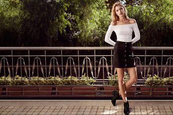 Hana Jirickova - H & M new  Essentials -x7