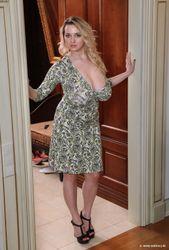 Adriana-In-Kiev-l6td1h93bk.jpg