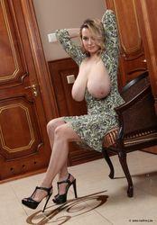 Adriana-In-Kiev-i6td1ililf.jpg