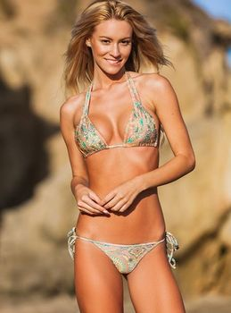 Bryana Holly -  Holly Parker Shoot - sexy x 11
