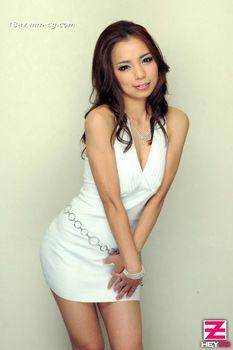 最新heyzo.com 0240 熟女大變身 讀者模特編