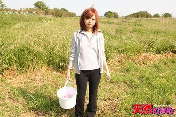 最新天然素人082913_01 開放的過頭的佃女子