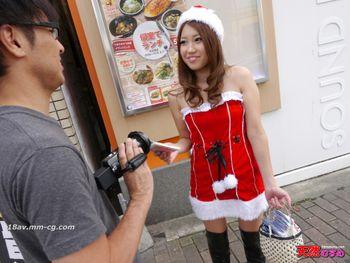 最新天然素人122013_01 汽車性行為,扮演聖誕老人的女孩 夢野華