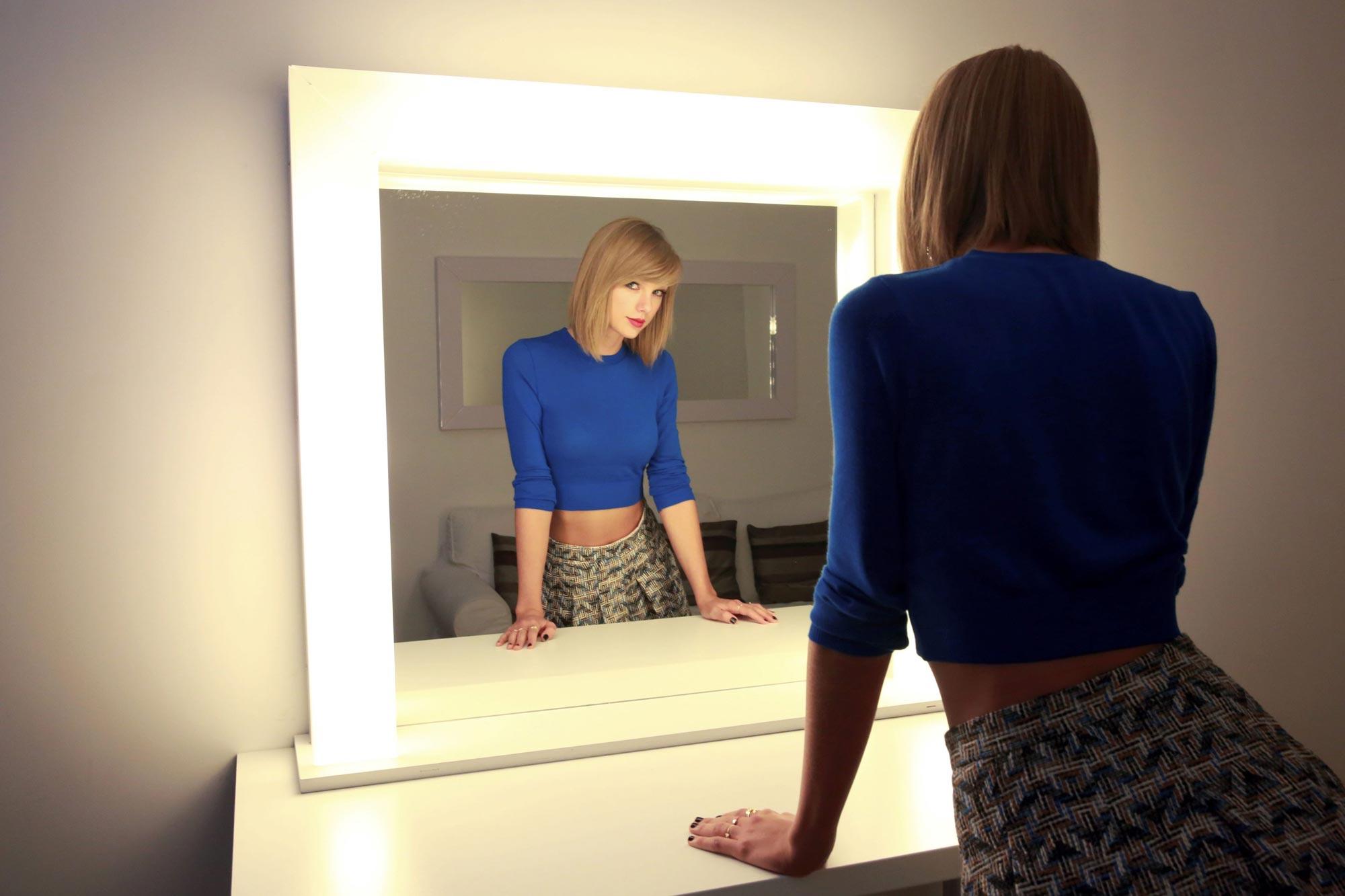 Taylor Swift oc 03